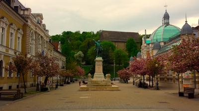 Viaje por bodegas y balnearios de Hungría (IV) : Miskolctapolca