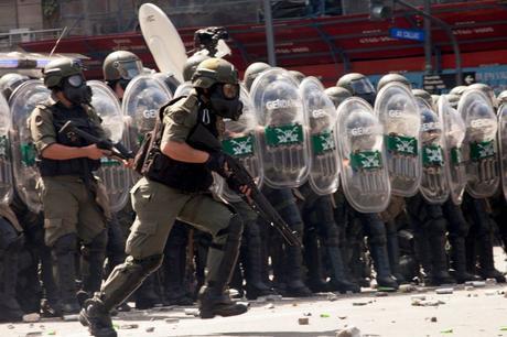Debate: ¿cómo se fotografía la represión?