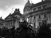 Debate: ¿cómo fotografía represión?