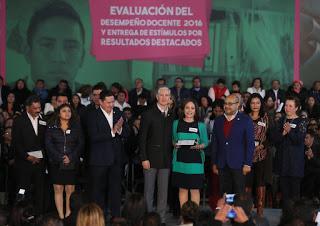 RECONOCE ALFREDO DEL MAZO RESULTADOS OBTENIDOS EN EVALUACIÓN DE MAESTROS MEXIQUENSES