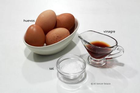 Ingredientes cocer huevos mollet