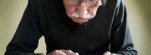 ¿Cuál es la diferencia entre la degeneración macular relacionada con la edad húmeda y seca?