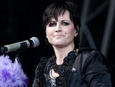 """¡Conmoción! Muere """"súbitamente"""" Dolores O'Riordan, cantante grupo Cranberries #Musica #Rock #Pop (VIDEO)"""