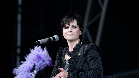 "¡Conmoción! Muere ""súbitamente"" Dolores O'Riordan, cantante del grupo The Cranberries #Musica #Rock #Pop (VIDEO)"