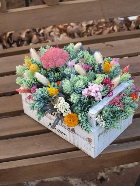 Deco centro de mesa con plantas crasas o suculentas paperblog - Plantas secas decoracion ...