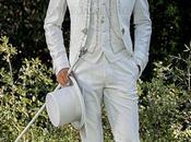 Traje novio barroco, levita época cuello tejido jacquard blanco bordados plateados broche cristal