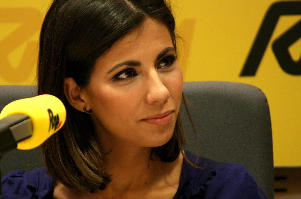 Ana Pastor: Primera mujer periodista que entrevista a Ahmadineyad