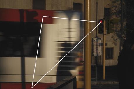 El rojo y los triángulos