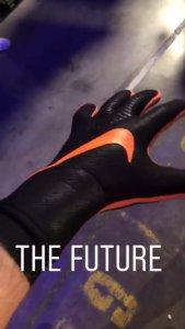 Nike Mercurial Touch ¿la revolución definitiva en los guantes de portero?