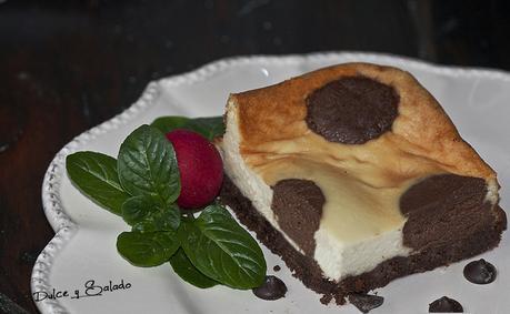Tarta de Queso con Lunares de Chocolate