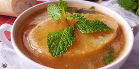 Sopa de ajos y pan