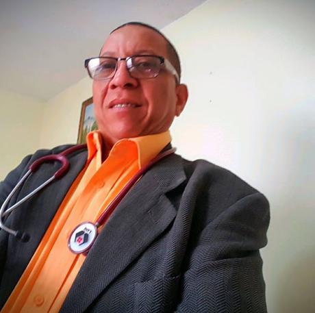 Médico cirujano denuncia fue cancelado injustamente de hospital de Neiba.