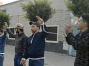 Desempleados saharauis protestan encadenados