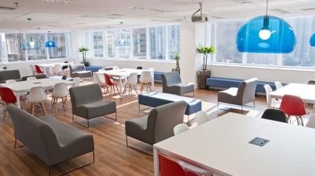 ¿Quieres amueblar el espacio de coworking?