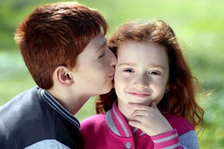 Relación entre hermanos impactaría en los niveles de empatía de ambos