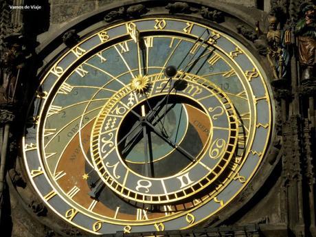 RELOJ ASTRONOMICO DE PRAGA. UN IMPERDIBLE y SU LEYENDA