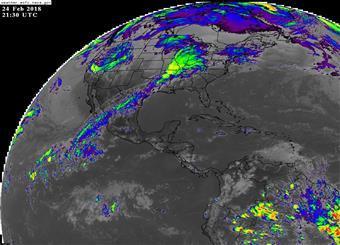 Vaguada y arrastre de nubosidad causan lluvias en República Dominicana.