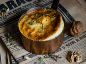 Souffle queso azul, compota pera nueces tostadas