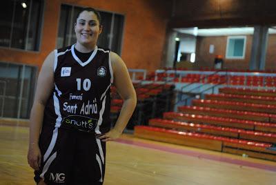 """Marta Claret: """"Somos profesionales, aunque no nos podemos dedicar profesionalmente al baloncesto"""""""