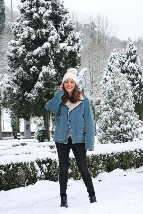 Outfit para la nieve con cazadora vintage
