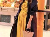 vestido midi amarillo botas altas parka