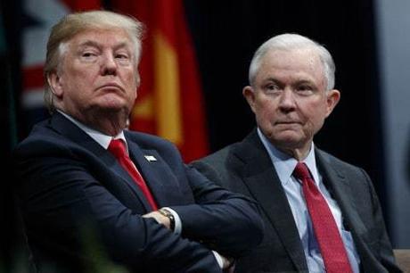 Después del despido de McCabe, Trump ataca al FBI y su abogado dice que la investigación de Rusia debe termina