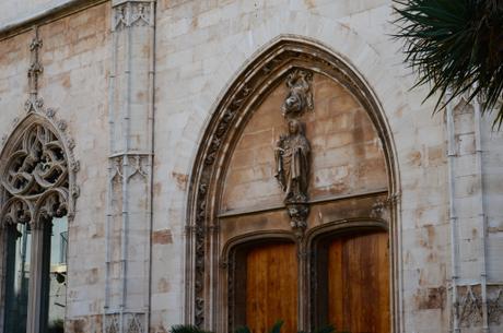 """Detalles de Palma: La virgen de la """"rana""""."""