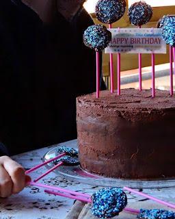 Tarta de chocolate y frambuesas ( la tarta perfecta para un cumpleaños)