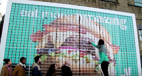 Una valla formada por 2000 hamburguesas