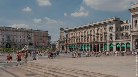 Piazza Duomo plaza Milán viaje Italia