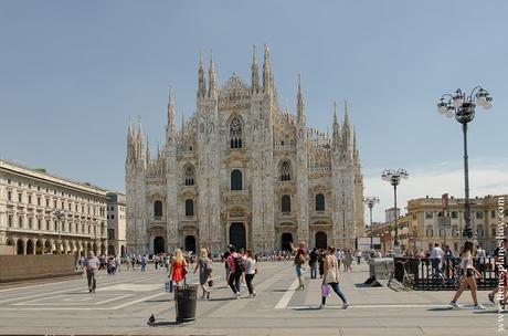 PLaza Piazza Duomo Milan viaje Italia