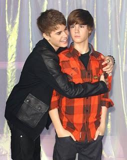 Curiosidades: Justin Bieber ya tiene su figura de cera.Justin Bieber unveils his wax work at Madame Tussauds