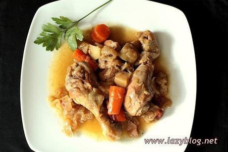 Pollo cocinado sin prisas en cocotte