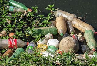 Mexicanos desarrollan losetas de PET reciclado.