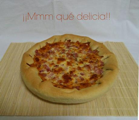 PIZZA CON MASA RELLENA
