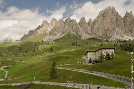 Viaje Dolomitas Passo di Gardena Italia turismo senderismo montaña