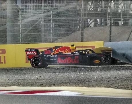 Max Verstappen explica que un error de software fue el causante de su choque