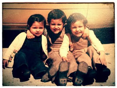 Mis hermanos y yo. Soy el mayor, no tendría más de 6 años.