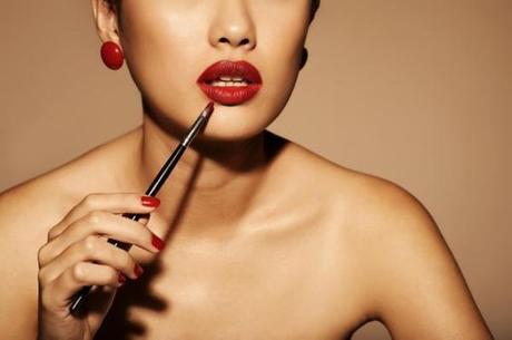 4 pasos para conseguir unos labios rojos perfectos