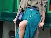falda midi abotonada
