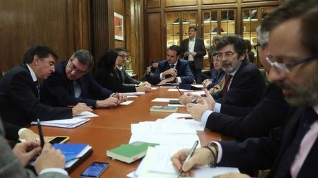 La comisión del modelo autonómico sigue hoy su trabajo con Romay Beccaría