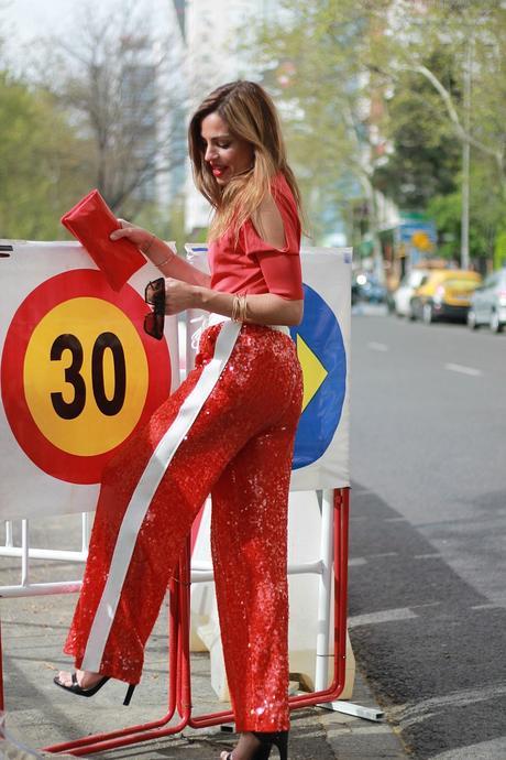 pantalon sporty de lentejuelas rojo