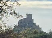 LIENZOS SAETERASEl castillo Alburquerque visto de...