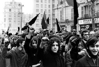 Calles de París, reclamando libertad.