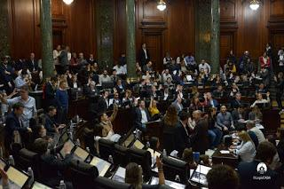 Tarifas:El ley, rebaja simbólica en agua y gas para porteños