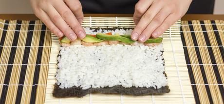 Resultado de imagen para preparar sushi