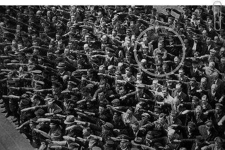 Negó el saludo a Hitler
