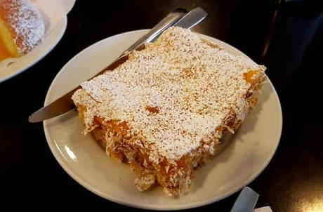 Dulce conventual en la Confeitaria da Ponte comer en Amarante
