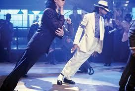 Científicos explican como Michael Jackson podía inclinarse 45º sobre el escenario sin caerse.