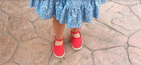 Mi hija tiene que llevar plantillas en los pies